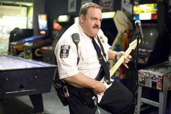 Paul_Blart-Mall_Cop_2-Kevin_James-001.jpg