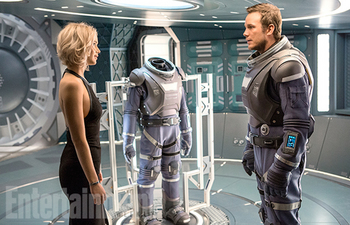 passengers-chris-pratt-jennifer-lawrence-2.jpg