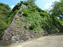 250px-Nobeoka_castle_ishigaki1.JPG